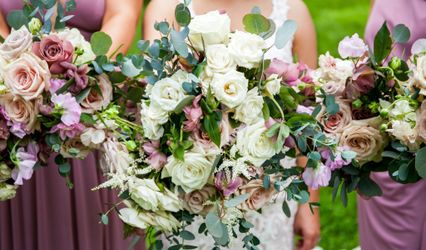 Isn't That Gorgeous! Wedding and Event Flowers 1