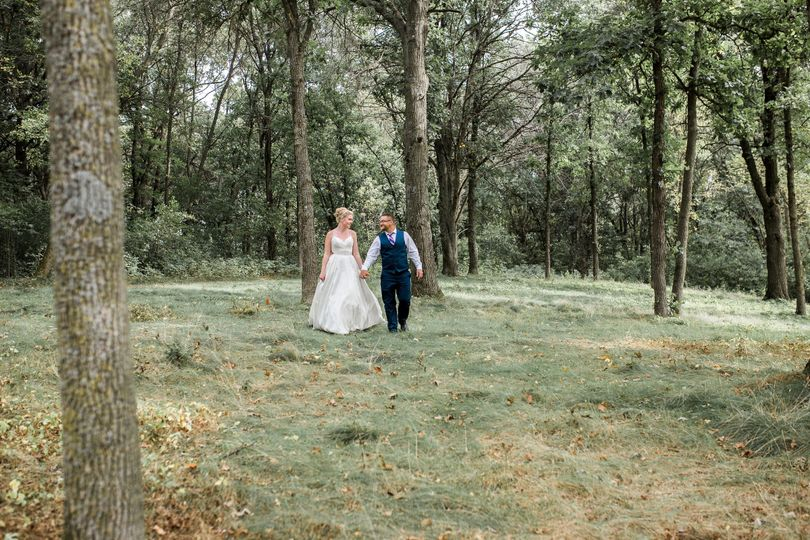 Holding hands | Erin Rae Photography