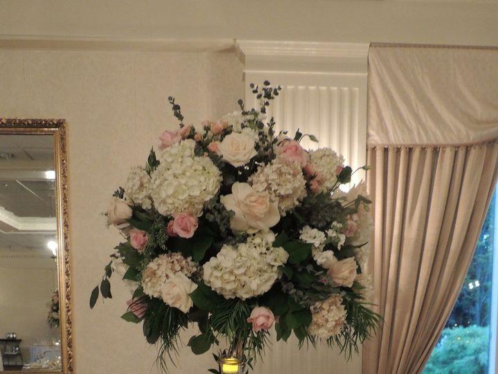 Tmx 1530854092 E7925799eb0eb975 1506107998172 Dscn8350 Staten Island wedding florist
