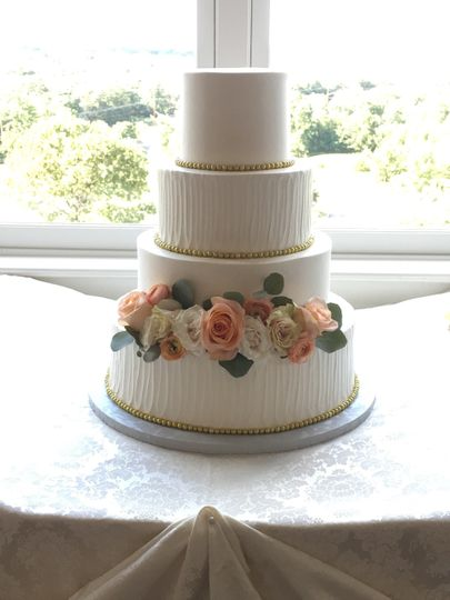 Buttercream floral wedding