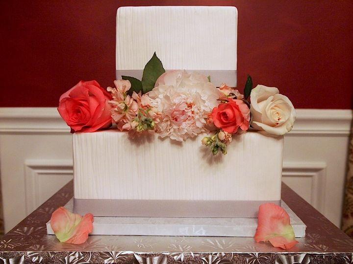 Tmx 1339098522448 PencilPleatSquareWeddingCake Sewell, New Jersey wedding cake