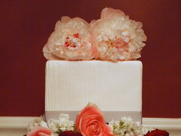 Tmx 1339098529358 RosePeonyWeddingCake Sewell, New Jersey wedding cake
