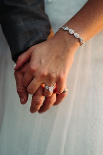 Sparkling wedding jewels