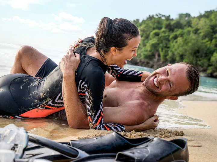 Tmx San Souci Diving Couple Resized 51 1056973 Port Huron, MI wedding travel