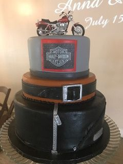 Tmx Harley 51 656973 V1 Lafayette, CO wedding cake