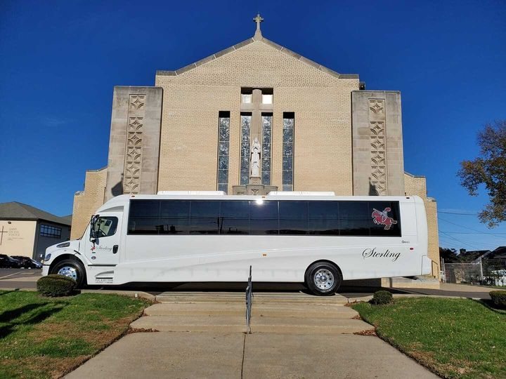 bus in front of church 51 86973 157972335930833