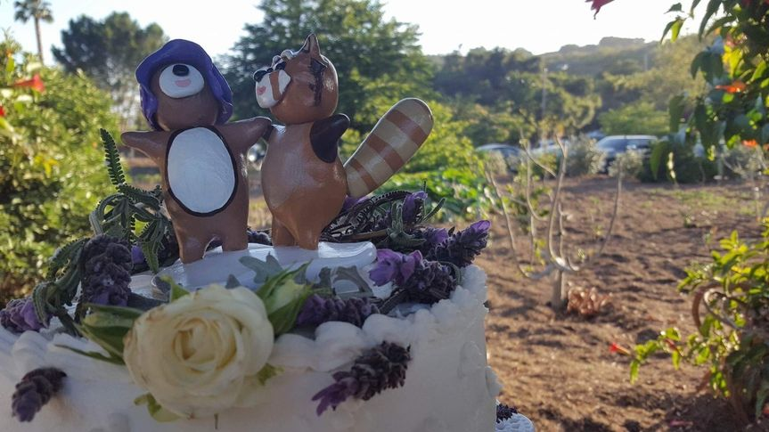 Wedding cake with figurines