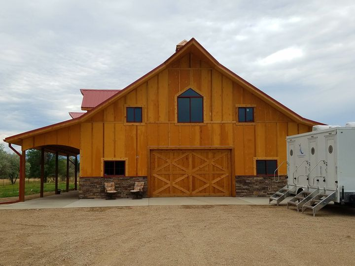 Barn Wedding in Fort Collins, CO