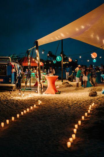 Arashi beach entrance party