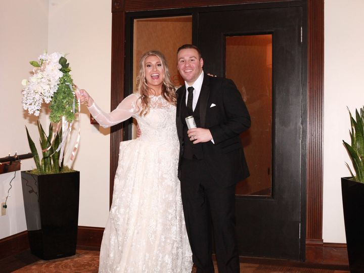Tmx Bride And Groom 51 362083 158567801276894 Cleveland, Ohio wedding venue