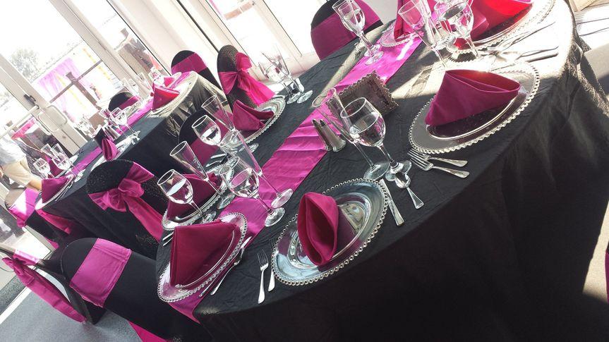 Black and pink table setup