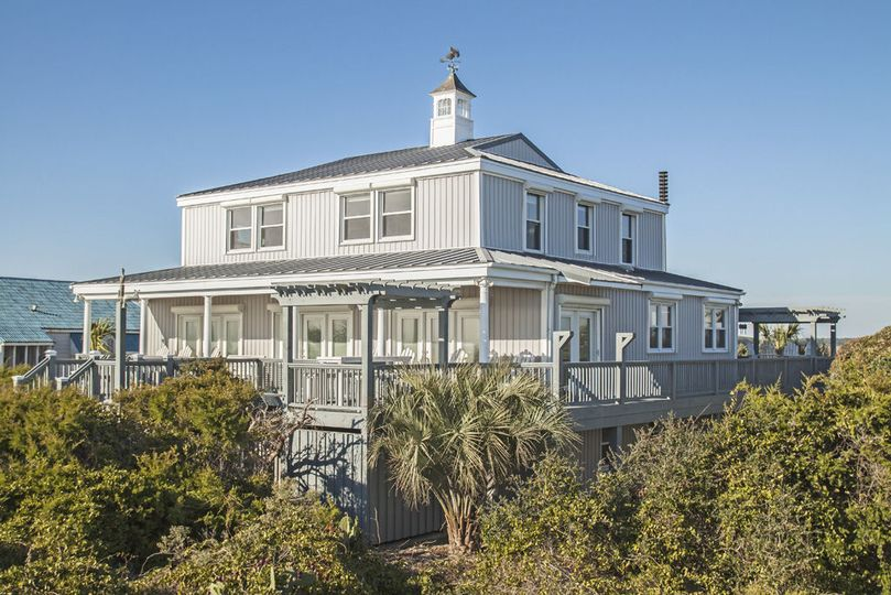 Fairwinds: 6 bed/5. 5 bath oceanfront home. See more details here: https: //www. Rentalsatthebeach....