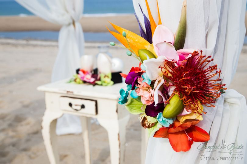 Gold Sand Ceremony Package - Tropical Décor