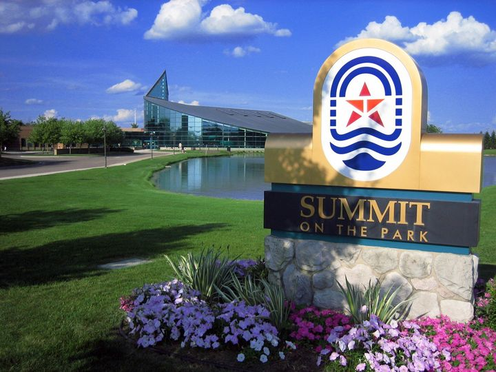 summit with flowers sign 51 120183 1558722299