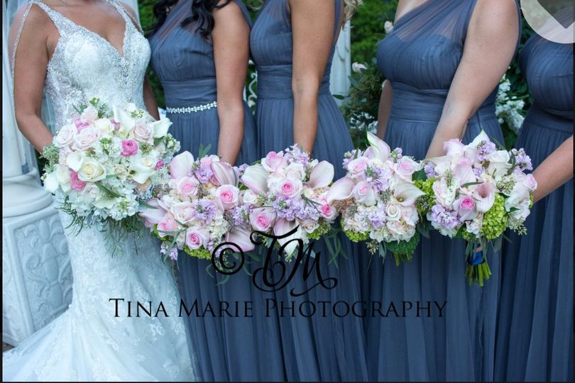 Bouquets of the bridal party