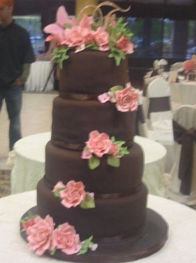 This cake was for a bride who wanted to be a little non-traditional.  She chose a Neopolitian cake...