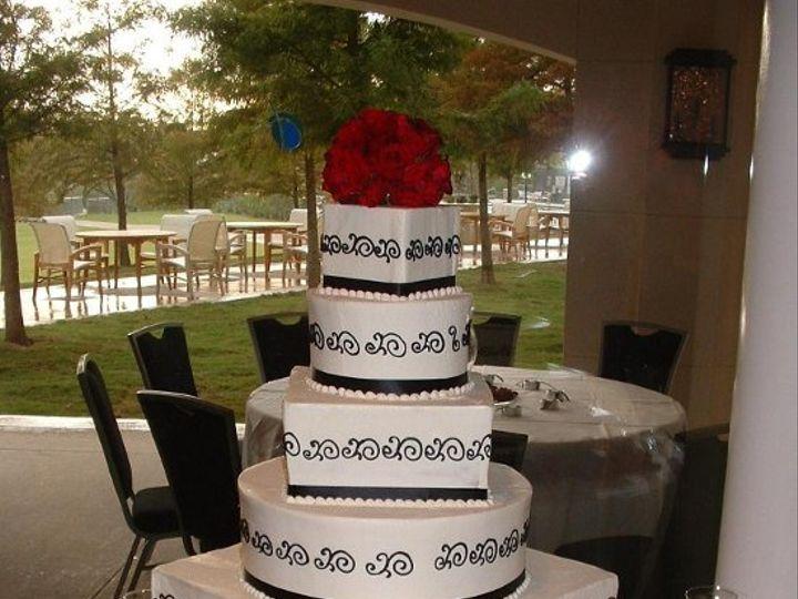Tmx 1253202074328 Blackscrollwithredroses Duncanville wedding cake
