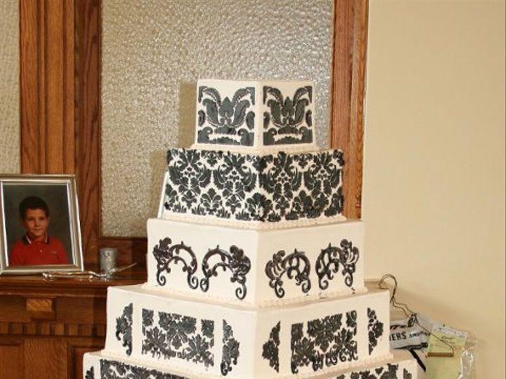 Tmx 1253202286468 DamaskBlackandwhite Duncanville wedding cake