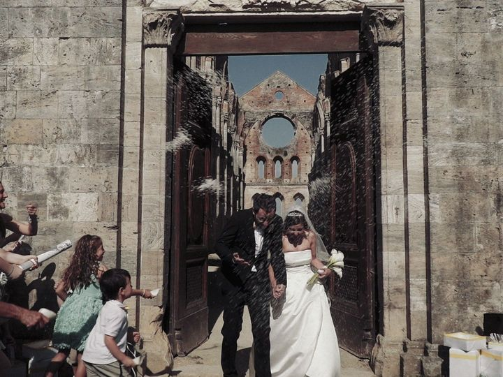 Tmx 1534852994 33b14bace6777373 1534852992 0aa4660c79ee3fea 1534852968948 8 Sfondo020 Loro Ciuffenna - Tuscany wedding videography