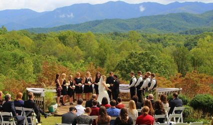 Above The Mist Wedding Services