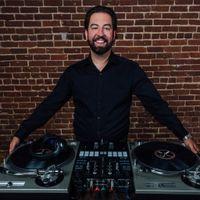DJ Derek b
