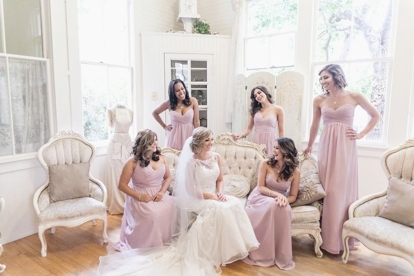 Bride and bridesmaids in the suite