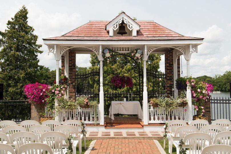 Weissgerber's Golden Mast outdoor wedding venue