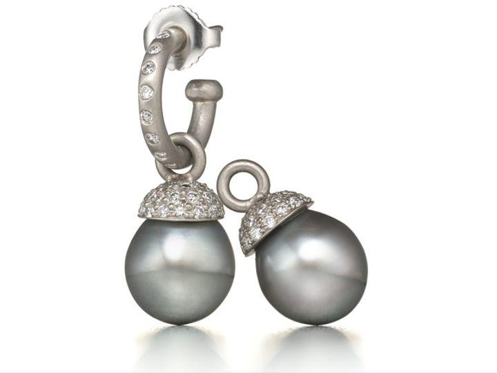 Tmx Rr Hoops Diamond Capped Pearl Drops 18k 51 984283 New York, NY wedding jewelry