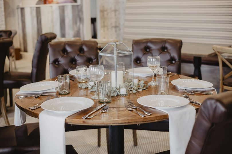 Small round table setting