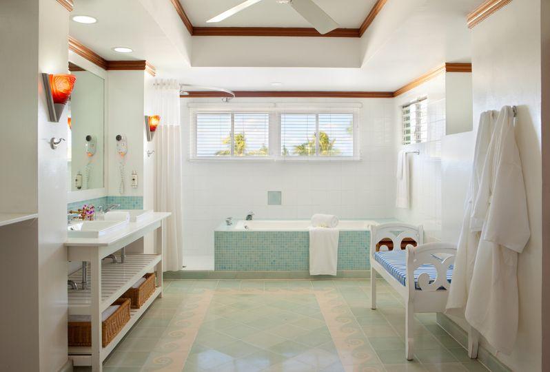 cng0949suitebathroom