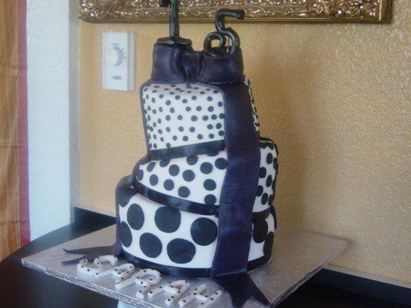 Tmx 1220889548599 Pdx%26cake051 Salem wedding cake