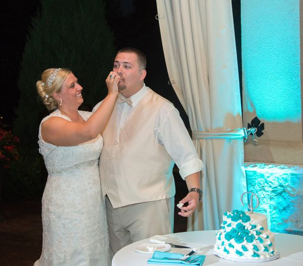 Cutting the cake is always a suspenseful moment! Make sure your guests can see your cake in an area...