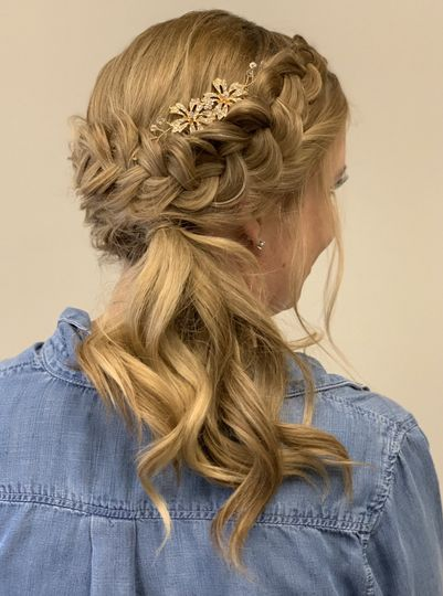 Bride Side Ponytail with braid