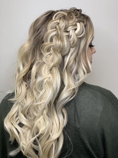 Bride hair down with 2 braids