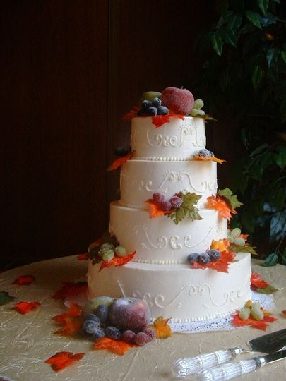 Flower designs on the cake