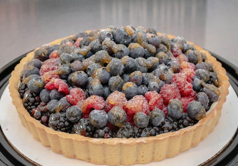 "9"" round fruit tart"