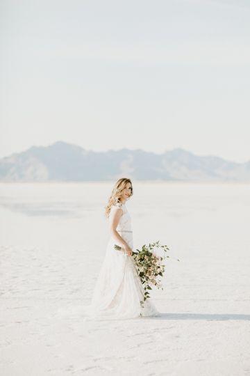 salt flat bridal 32 51 1027383 1558552506