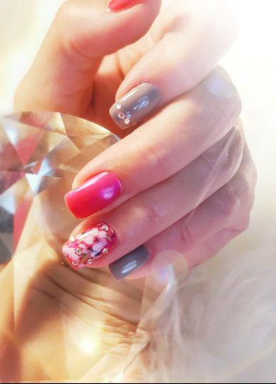 Floral wedding nail art