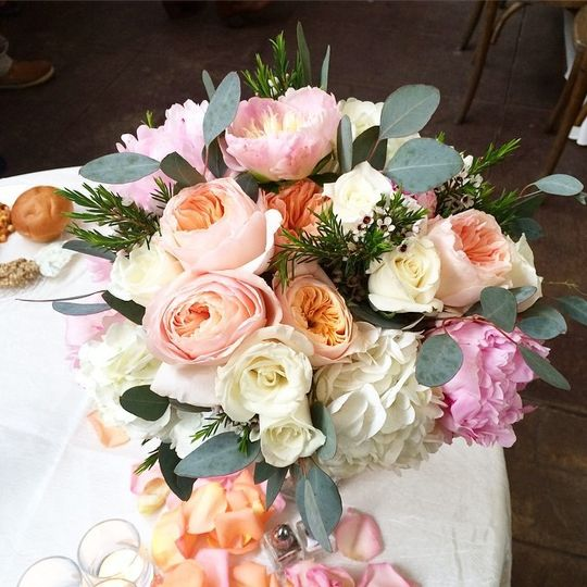 Blush arrangement