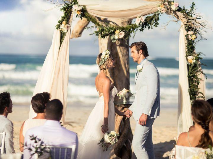 Tmx Driftwood Romance Ceremony 6324 2 51 1900483 157557715159185 Wantagh, NY wedding travel