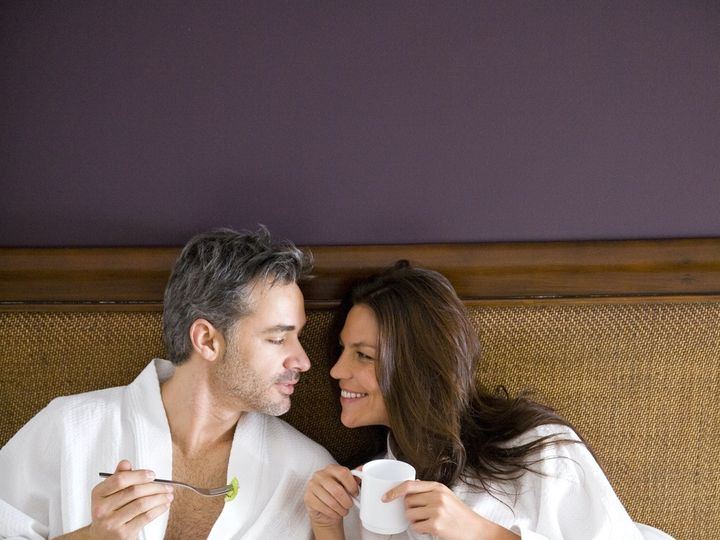 Tmx Hrh Lifestyle Room Service 2 020314 2 51 1900483 157557737637168 Wantagh, NY wedding travel
