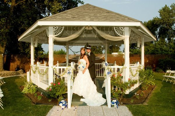gazebo couple
