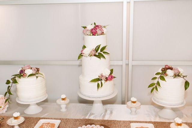 Tmx 1531669449 C0dc3af43bcdde5b 1531669448 73127376cf1f7af6 1531669449575 1 IMG 6800 Orlando, FL wedding cake