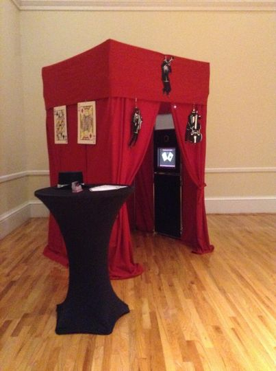 wedding wire red photobooth