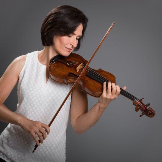 Lark Violinist