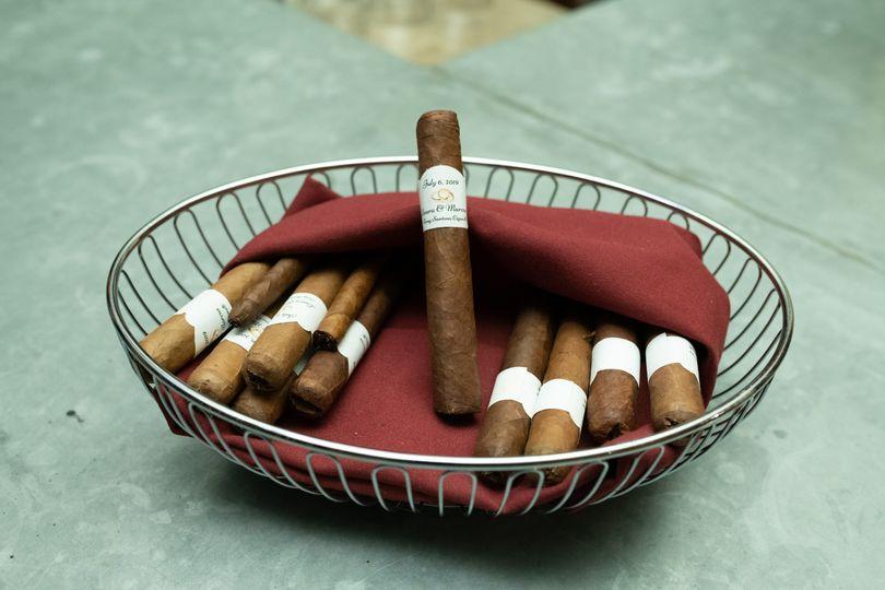 Cigar bar favor