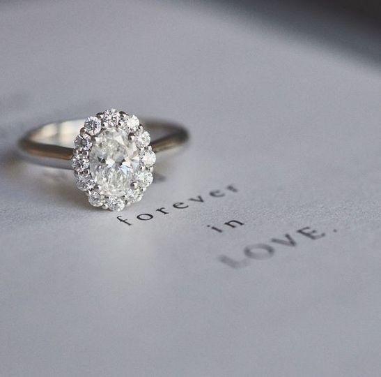 lotusflowerovaldiamond