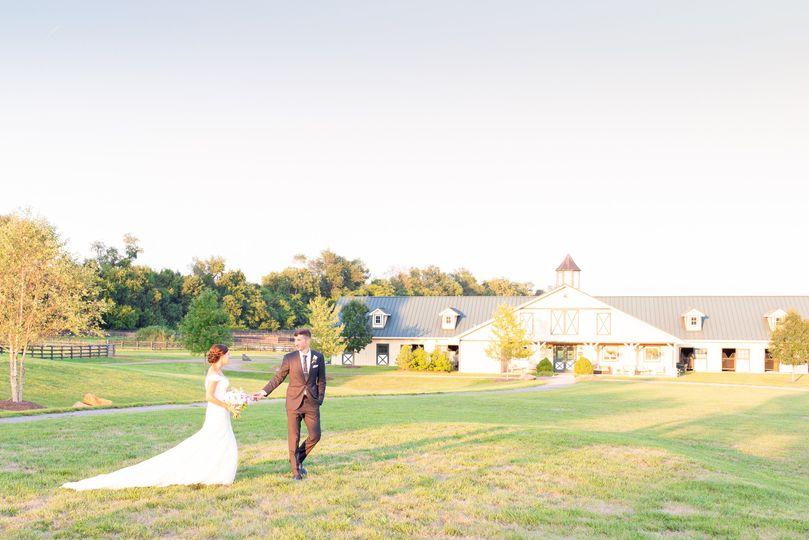molli john salamander resort wedding taylor rose photography bride groom 101 51 1942583 161067491048275