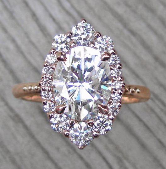 The Sofia, a 2.1ct oval moissanite center