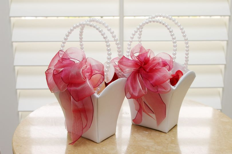 crisp bridesmail baskets for gina